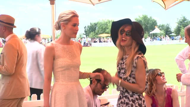 leslie bibb and rachel zoe at the fifth annual veuve clicquot polo classic at liberty state park on june 02 2012 in jersey city new jersey - 動物を使うスポーツ点の映像素材/bロール