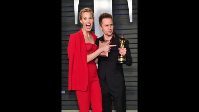 leslie bibb and sam rockwell attend the 2018 vanity fair oscar party hosted by radhika jones at the wallis annenberg center for the performing arts... - vanity fair video stock e b–roll