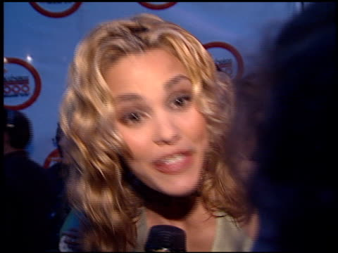 leslie bibb at the 2000 nickelodeon kids' choice awards at ucla in westwood california on april 14 2000 - nickelodeon kids' choice awards stock videos & royalty-free footage