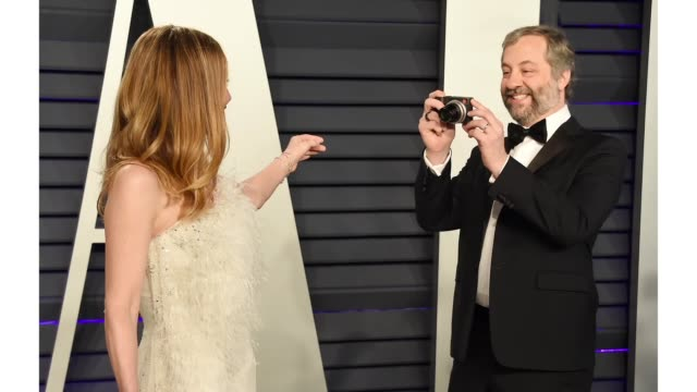 leslie mann and judd apatow attend the 2019 vanity fair oscar party hosted by radhika jones at wallis annenberg center for the performing arts on... - vanity fair stock videos and b-roll footage