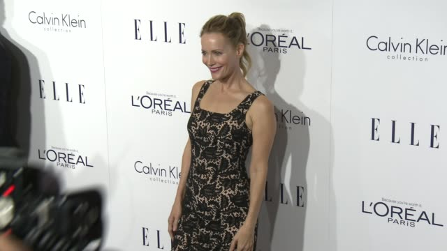 vídeos de stock, filmes e b-roll de leslie mann at the 2015 elle women in hollywood awards at four seasons hotel los angeles at beverly hills on october 19 2015 in los angeles california - leslie mann