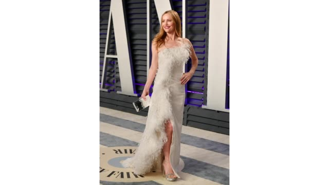 leslie mann attends the 2019 vanity fair oscar party hosted by radhika jones at wallis annenberg center for the performing arts on february 24 2019... - vanity fair stock videos and b-roll footage