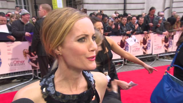 vídeos de stock, filmes e b-roll de interview leslie mann on grabbing cameron diaz and being called a lady by nicki minaj at 'the other woman' uk gala screening at curzon cinema mayfair... - leslie mann