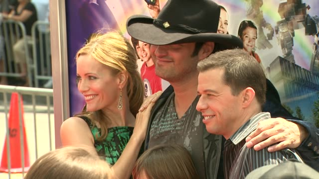 leslie mann robert rodriguez jon cryer at the 'shorts' premiere at hollywood ca - jon cryer stock videos and b-roll footage