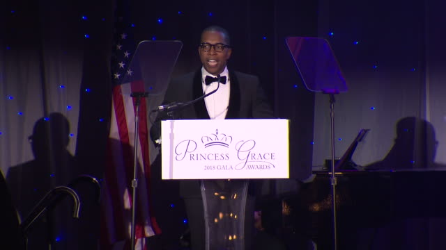 leslie odom jr. on being an artist at the 2018 princess grace awards gala at cipriani 25 broadway on october 11, 2018 in new york city. - マンハッタン チプリアーニ点の映像素材/bロール