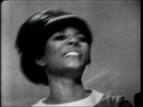 leslie uggams and peter and gordon perform you are my sunshine - pop music stock-videos und b-roll-filmmaterial