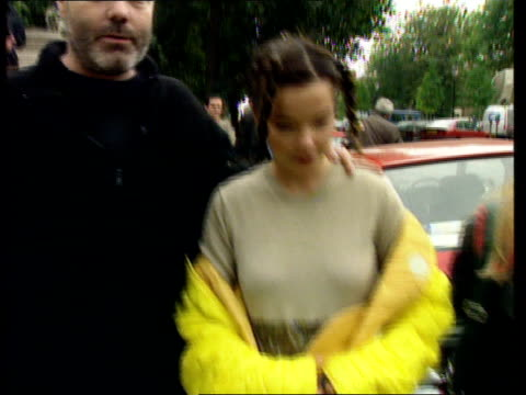Letter bomb sent to pop star Bjork LNN London EXT /MS Bjork along to car PULL OUT and PAN AROUND
