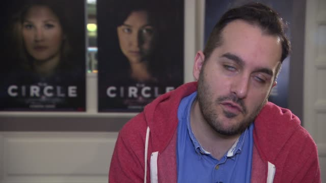 vídeos de stock e filmes b-roll de interview levan akin on first time directing a crime drama scifi films at 'the circle' interview 65th berlin film festival on february 11 2015 in... - dirigir