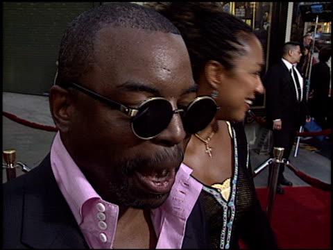levar burton at the premiere of 'the italian job' at grauman's chinese theatre in hollywood, california on may 27, 2003. - var bildbanksvideor och videomaterial från bakom kulisserna