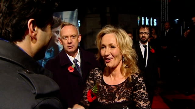leveson inquiry into media ethics and phone hacking jk rowling and sienna miller testify england london rowling on red carpet at harry potter film... - j.k. rowling stock videos and b-roll footage