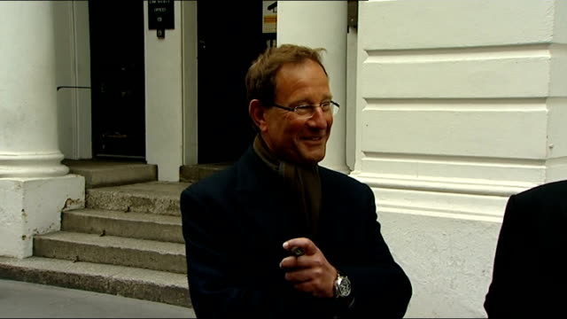 Leveson inquiry into media ethics and phone hacking Richard Desmond arrival ENGLAND London High Court PHOTOGRAPHY*** Various shots of Richard Desmond...