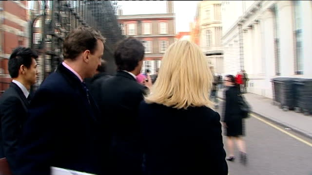 leveson inquiry into media ethics and phone hacking sheryl gascoigne departure / mccanns departure england london royal courts of justice ext sheryl... - sheryl gascoigne stock videos and b-roll footage