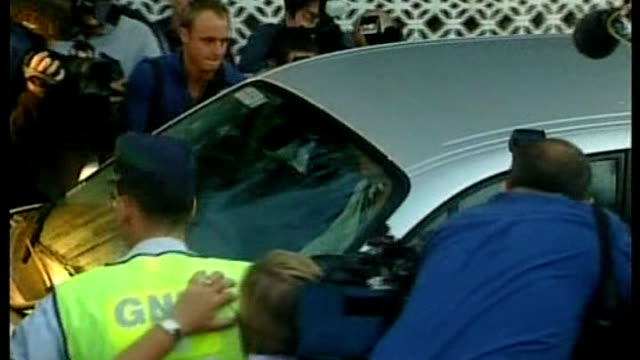 david cameron rejects full backing of proposals; september 2007 portugal: ext **flashlight photography** kate mccanna and gerry mccann in car as... - gerry mccann stock-videos und b-roll-filmmaterial