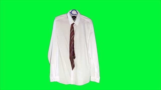 vídeos de stock e filmes b-roll de levitating business shirt - shirt and tie