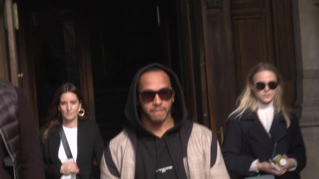 lewis hamilton attends the stella mccartney show as part of the paris fashion week womenswear fall/winter 2019/2020 on march 4, 2019 in paris, france. - ブランド ステラマッカートニー点の映像素材/bロール