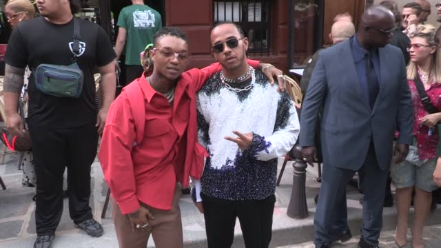 stockvideo's en b-roll-footage met lewis hamilton swae lee skepta miguel russell westbrook cam newton pier paolo piccioli and more at the photocall for the louis vuitton spring summer... - louis vuitton modelabel