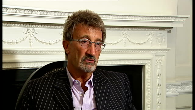 f1 lewis hamilton world championship eddie jordan interview eddie jordan interview continued sot whole world is at his fingertipsup to mclaren to... - world championship stock videos and b-roll footage