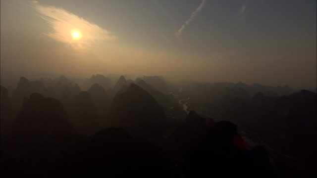 ws aerial li river and mountains, guilin, guangxi zhuang autonomous region, china - guilin stock videos & royalty-free footage