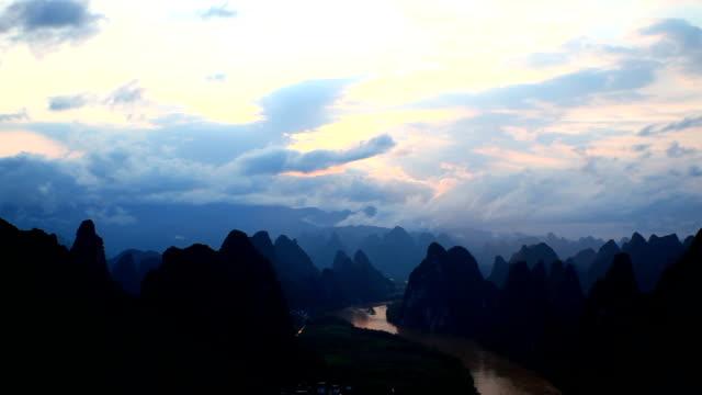 li river at dusk - li river stock videos & royalty-free footage