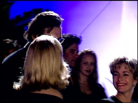 vídeos y material grabado en eventos de stock de liam neeson at the 1995 academy awards granada tv at the shrine auditorium in los angeles california on march 27 1995 - 67ª ceremonia de entrega de los óscars