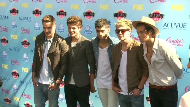Liam Payne Louis Tomlinson Zayn Malik Niall Horan and Harry Styles of One Direction at 2013 Teen Choice Awards Arrivals on 8/11/2013 in Universal...