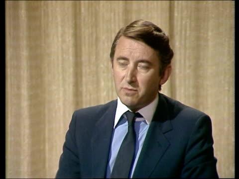 "liberal alliance; england: london: w'minster: david steel:sof: ""well i think -- star name winning yes."" video studio w'minster:... - ピーター・シソンズ点の映像素材/bロール"