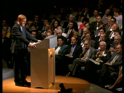 stockvideo's en b-roll-footage met charles kennedy speech itn england yorkshire harrogate charles kennedy mp onto platform to deliver leaders speech to liberal democrats conference tgv... - william hague