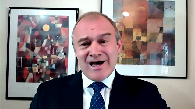 """liberal democrat leader ed davey explaining why he also works for a renewables company - """"bbc news"""" stock videos & royalty-free footage"""