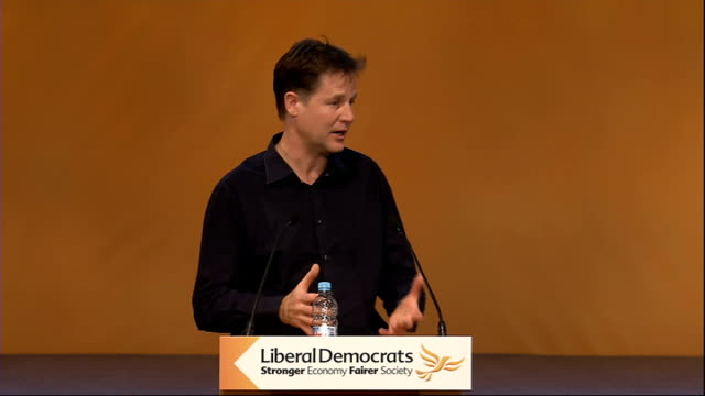 stockvideo's en b-roll-footage met nick clegg qa session nick clegg sot re cameron federalism labour and tories have no interest in wholesale constitutional reform only pick off things... - probatie