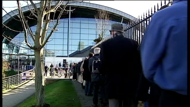 stockvideo's en b-roll-footage met health and social care bill causes dissent england tyne wear gateshead the sage long queue of delegates outside liberal democrat conference centre... - tyne and wear