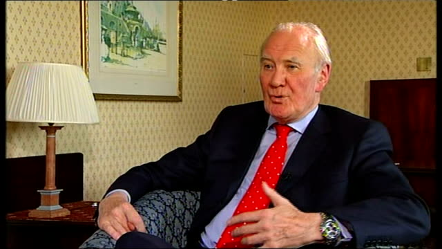 new policy announcements int sir menzies campbell mp interview sot on need to spread liberal democrat message cogently and directly - sir menzies campbell bildbanksvideor och videomaterial från bakom kulisserna