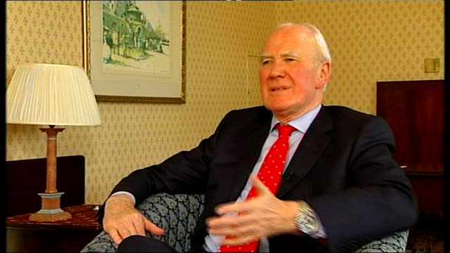 new policy announcements int sir menzies campbell mp interview sot on his physical similarity to john reid mp reason why reid was identified as lib... - sir menzies campbell bildbanksvideor och videomaterial från bakom kulisserna