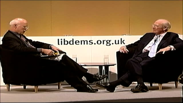 liberal democrats first party conference with sir menzies campbell as leader england east sussex brighton hilton metropole hotel liberal democrats... - sir menzies campbell bildbanksvideor och videomaterial från bakom kulisserna