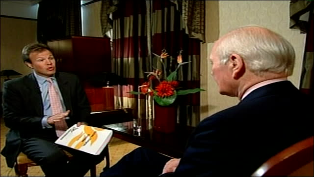 liberal democrats first party conference with sir menzies campbell as leader reporter asking question sot campbell interview sot i'm not a flash... - sir menzies campbell bildbanksvideor och videomaterial från bakom kulisserna