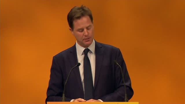 vídeos de stock e filmes b-roll de nick clegg speech england dorset bournemouth int nick clegg mp speech sot not just one but now two unions hang in the balance if we vote to the leave... - persuasão