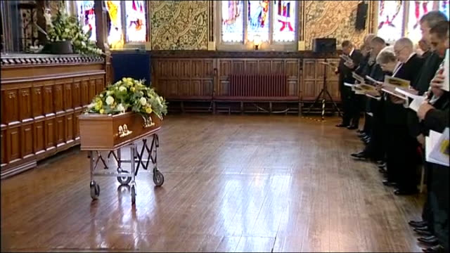 liberal politician cyril smith buried in rochdale england lancashire rochdale ext coffin of former liberal politician cyril smith on bier at memorial... - cyril smith politician stock videos & royalty-free footage