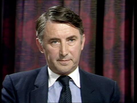 "merger; england: london: westminster? cms david steel intvw sof ""no the suggestion -- cms burnett -- of the sdp"" video studio tx:26.6.87/nat tape... - アラステア・バーネット点の映像素材/bロール"
