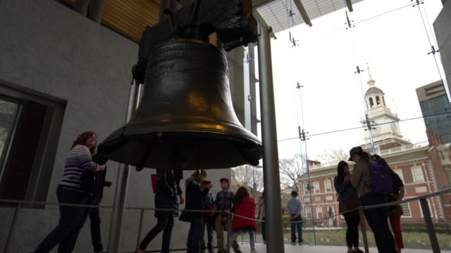 liberty bell philadelphia - philadelphia pennsylvania video stock e b–roll