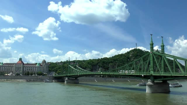 liberty bridge - budapest, hungary - liberty bridge budapest stock videos & royalty-free footage