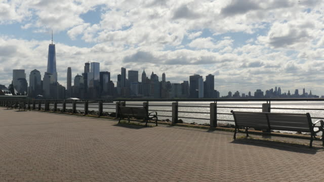 liberty park and new york city skyline - promenade stock videos & royalty-free footage
