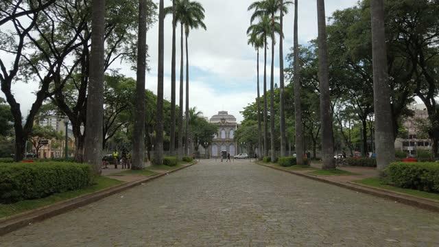 自由廣場,貝洛奧里藏特市的著名地方。普拉卡·達·利伯達德 - liberdade 個影片檔及 b 捲影像