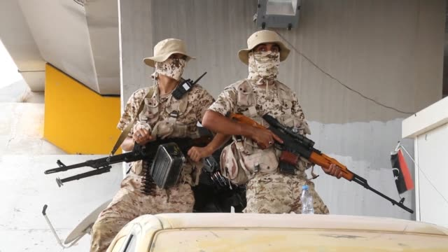 libyan forces loyal to the government of national accord libya's internationally recognised government keep watch from a position south of the libyan... - loyalty stock videos & royalty-free footage