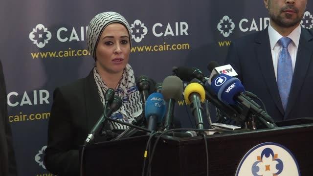 lideres musulmanes estadounidenses presentaron el lunes una demanda contra el presidente donald trump por la orden de prohibicion de entrada a... - entrada stock videos and b-roll footage