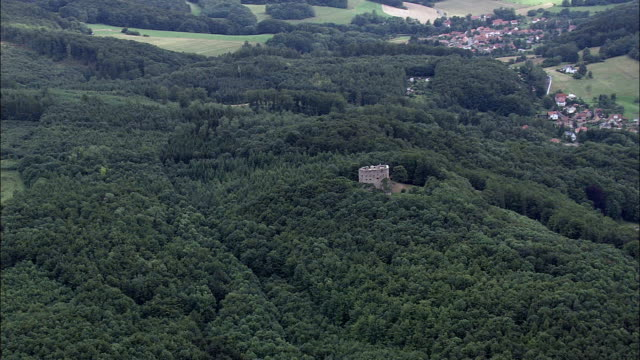 liebenstein castle  - aerial view - thuringia,  helicopter filming,  aerial video,  cineflex,  establishing shot,  germany - turingia video stock e b–roll