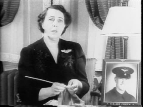 lieutenant william barrow member of the doolittle raiders lost at bombing of tokyo / barrow's mother mrs jessie s farrow speaks about supporting the... - gesellschaftliche mobilisierung stock-videos und b-roll-filmmaterial