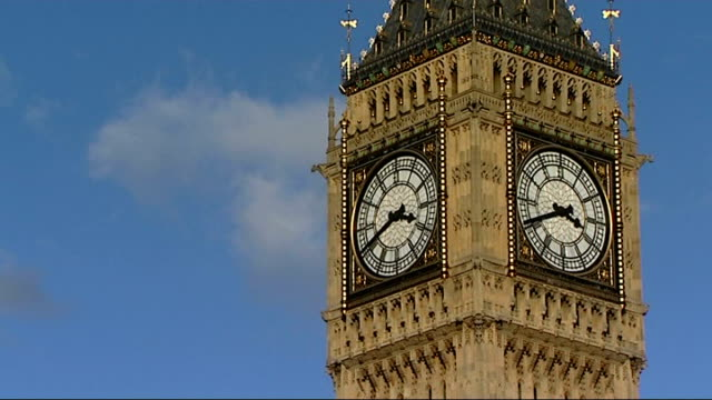 life expectancy gap widens between rich and poor; westminster: big ben palace of westminster - big ben点の映像素材/bロール