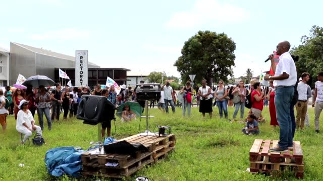 vídeos y material grabado en eventos de stock de life in french guiana is severely disrupted by a general strike that has closed schools and shops and stoked fears of further instability in one of... - territorios franceses de ultramar