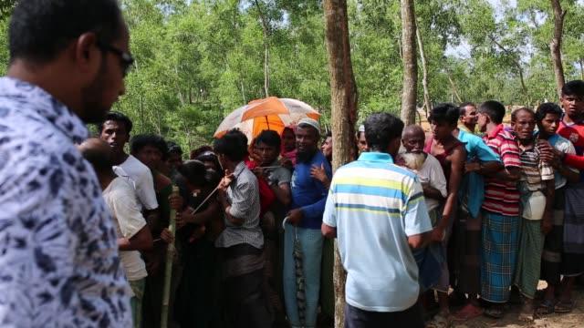 cox's bazar bangladesh october 11 life inside new rohingya at balukhali makeshift camp in cox's bazar bangladesh on october 11 2017 bangladesh said... - cox's bazar stock videos & royalty-free footage