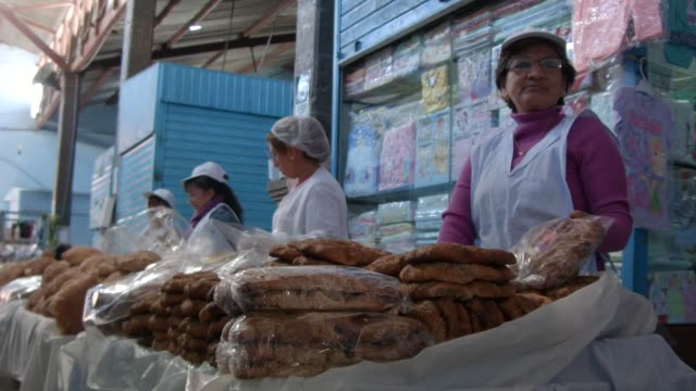 life style in the city of ayacucho peru - farm worker stock videos & royalty-free footage