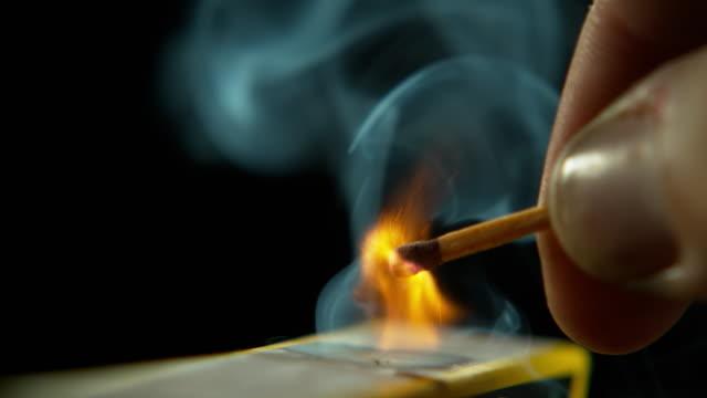 vídeos de stock e filmes b-roll de life sustaining fire - caixa de fósforos